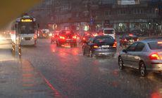 COD PORTOCALIU de ploi torențiale în București! Ce se întâmplă în următoarea oră