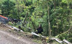 Un autocar cu 60 de turiști est-europeni s-a răsturnat într-o râpă în Italia. O persoană a murit, alte 25 sunt rănite