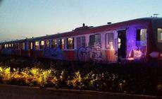 Accident pe calea ferată în Timiș. Un microbuz cu 7 oameni, lovit de tren