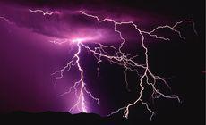 Un sucevean a fost lovit de fulger! În mod miraculos, a scăpat cu viață