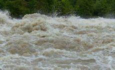 Cod portocaliu de inundații pe râuri din trei județe