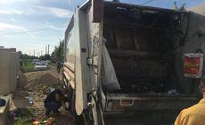 Tânăr mort în Arad după ce a fost călcat de maşina de gunoi