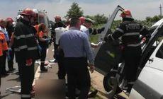 Microbuz răsturnat în urma unui accident cumplit în Giurgiu. Un copil a murit, iar alte șase persoane au fost rănite / FOTO
