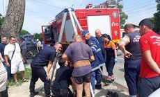 Un bărbat a căzut într-un canal descoperit, în Odobești, Vrancea. Victima a fost scoasă după zeci de minute |FOTO