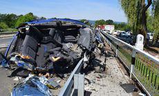 Un bărbat şi-a ucis soţia, apoi s-a sinucis intrând cu maşina într-un TIR