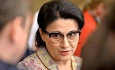 Ecaterina Andronescu s-a răzgândit, elevii sunt afectați. Oficial, ministrul neagă