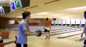 Lovitură incredibilă la bowling