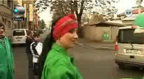 Adriana Bahmuţeanu ajunge pe stradă