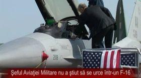 Video / Şeful Statului Major al Forţelor Aeriene nu a ştiut să se urce într-un F-16