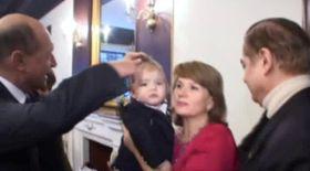 Video | Traian Băsescu a tăiat moţul Prinţului Carol Ferdinand