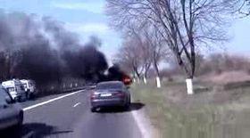 Au supravieţuit din maşina în flăcări