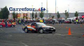 Două persoane rănite la concursul de drifting