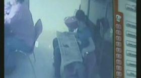 Video / Hoaţă prinsă la coafor