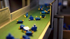 Video Exclusiv   Așa se fabrică jucăriile Lego