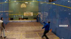 Emil Boc a dat-o pe squash. Uite-l în acţiune pe fostul premier | VIDEO