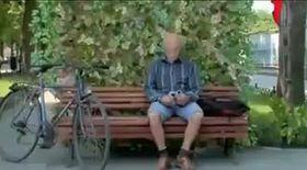 S-au aşezat pe o bancă în parc! Nici măcar nu bănuiau că vor trăi spaima vieţii lor