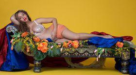 Beyonce, ședință foto incendiară. Vedeta, care este însărcinată cu gemeni, a pozat nud