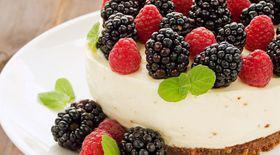 Cheesecake cu mure și zmeură  Gătește cu noi rețete delicioase!