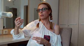 VIDEO EXCLUSIV | Pățaniile Monicăi Davidescu pe scenă