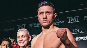 """VIDEO EXCLUSIV/ Ronald Gavril pregătit pentru duelul ce-l poate transforma în cel de-al în al cincilea boxer român campion mondial la profesioniști """"România va avea un nou campion"""""""