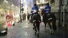 Jandarmi călare la protestul din Piața Universității