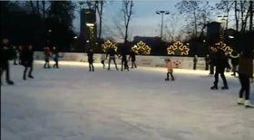 Bucureștenii s-au distrat la patinoar, în prima zi a Noului An