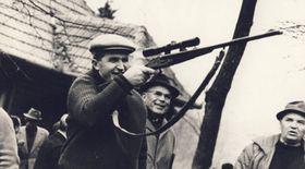 Cum arată colecția de arme a lui Nicolae Ceaușescu pe care dictatorul nu a folosit-o niciodată