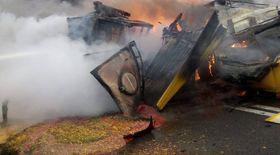 Accidentul dintre trei TIR-uri din Caraș Severin, surprins de o cameră de la bordul unui vehicul