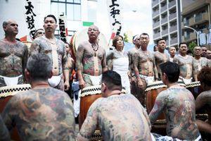 De ce teribilii criminali Yakuza sunt jefuiți când mor? Care este testul de intrare incredibil și de ce este tăiat degetul mic