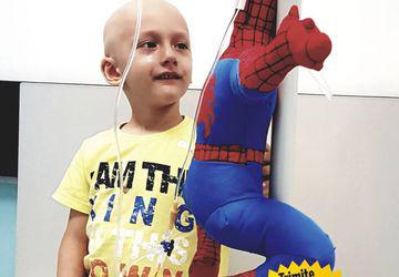 Micuțul Dominic suferă de o formă rară de cancer care i-a invadat tot corpul. Pentru a putea spera la viață, băiețelul grav bolnav are nevoie urgent de 200.000 de euro