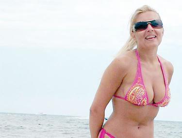 Elena Udrea mergea la nudişti când era studentă