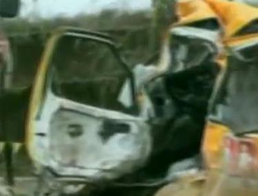 Tragedie în China. 15 oameni au murit după ce un autobuz a căzut într-o prăpastie | VIDEO