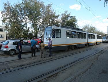1 Decembrie. SCANDAL MONSTRU în tramvaiul 41. BĂTAIE între CĂLĂTORI pentru DRUMUL spre PARADĂ
