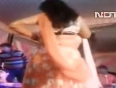 Incident îngrozitor la o nuntă din India. O femeia a fost împușcată pentru că s-a oprit din dans!