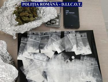 VIDEO   Percheziții la Penitenciarul din Ploiești. Deținuții primeau droguri odată cu corespondența