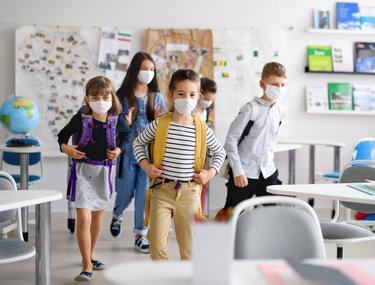 """""""Să ne așteptăm că vom tot închide și redeschide școli întregi"""". Avertisment de la Universitatea Babeș-Bolyai"""
