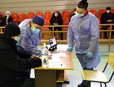 În județul Botoșani, vaccinarea a început cu un singur centru deschis pentru cei din etapa a II-a