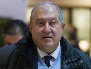 Președintele Armeniei are COVID-19. Armen Sarkissian s-a izolat la Londra, acolo unde a petrecut Anul Nou