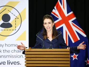 De ce este Noua Zeelandă altfel. Țara condusă de Jacinda Ardern a avut sub 2.300 de cazuri de COVID, deși unele scenarii estimau chiar și 60.000 de morți