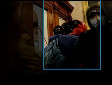 Imagini noi cu asaltul asupra Capitoliului. Momentul în care o protestatară este împușcată mortal, filmat