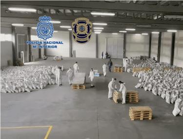 """Aproape o tonă de """"cocaină neagră"""", confiscată în Spania"""