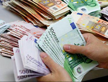Curs BNR 18 septembrie. Euro și dolarul au scăzut