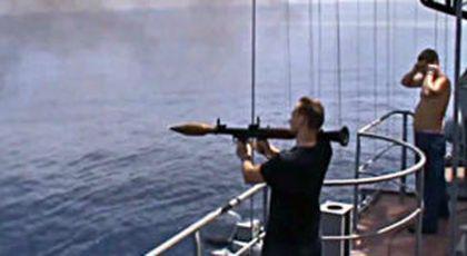 Cum rezolvă marina rusă problema piraților somalezi [VIDEO 18+]