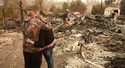 Drama unei românce din California, rămasă pe drumuri după incendii. 'Nu am curent, telefon, internet'