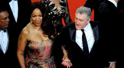Robert de Niro divorteaza de Grace Hightower.