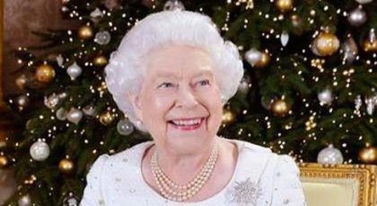 Poze rare cu decoratiunile alese de regina pentru palatul ei