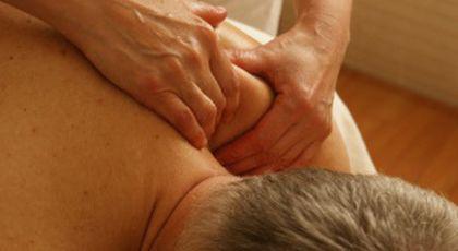 Un profesor din Iași a vrut să aibă parte de senzații tari după ore, așa că s-a dus la un salon de masaj erotic. Acolo a avut parte de surpriza vieții sale. Nimeni nu se aștepta la asta