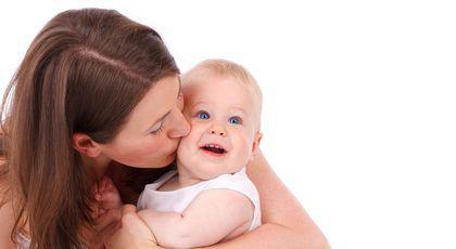 Cercetătorii avertizează: să faci un copil este cea mai proastă decizie