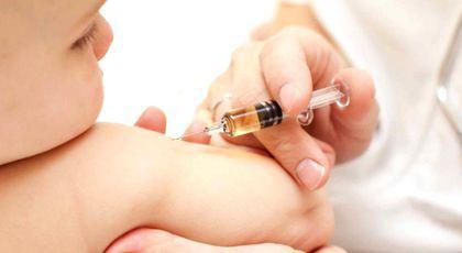 Olivia Steer poate să spună orice despre vaccinare, atâta vreme cât e legal