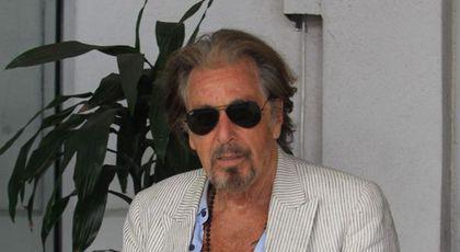 La 78 de ani, Al Pacino are o nouă iubită mult mai tânăra. Atrage toate privirile când apare în public. Oamenii rămân mască când o văd